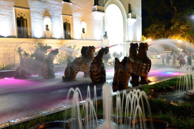 龙喷泉在素坤 免版税库存照片