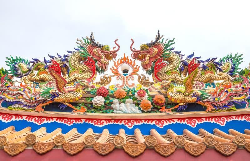 龙在中国寺庙的雕象样式 库存照片