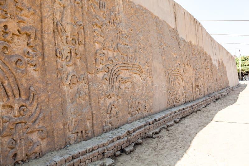 龙或彩虹的Huaca或寺庙 图库摄影