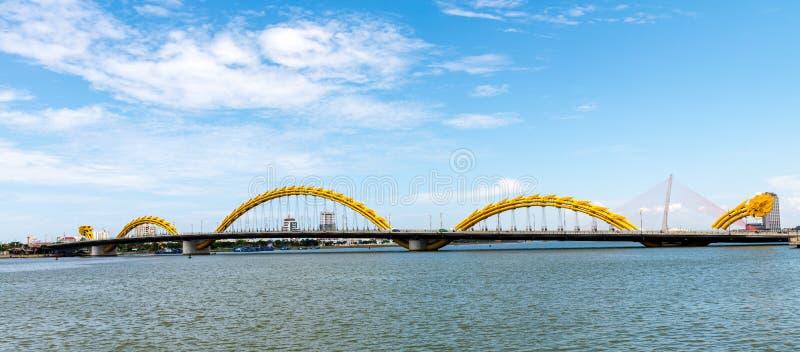 Download 龙桥梁在岘港市市2015年5月 库存照片. 图片 包括有 文化, 地平线, 商业, 聚会所, 水平, 城市 - 72356144