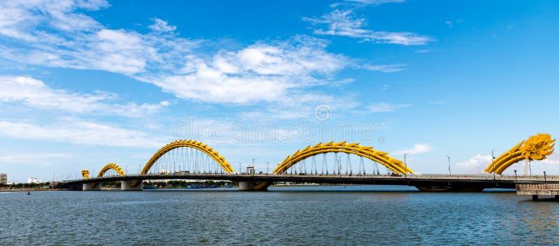 Download 龙桥梁在岘港市市2015年5月 库存图片. 图片 包括有 街道, 激情, 安排, 地区, 聚会所, 著名 - 72358815
