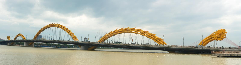 龙桥梁,岘港市,越南旅行 库存照片