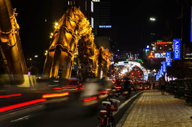 龙河桥梁(荣桥梁)在岘港市,越南 免版税库存图片