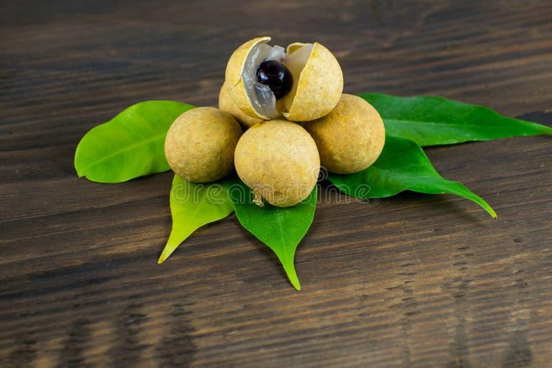 龙眼 新鲜的龙眼果子 免版税库存照片