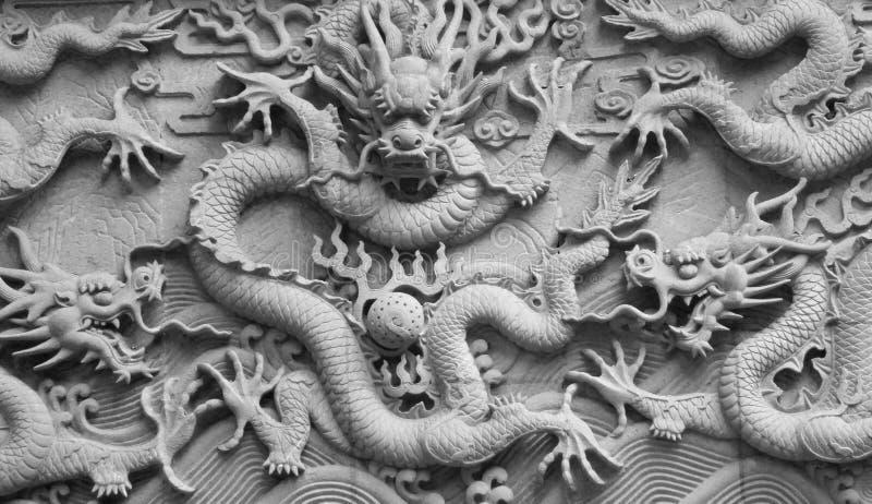 龙石头雕刻 免版税库存图片