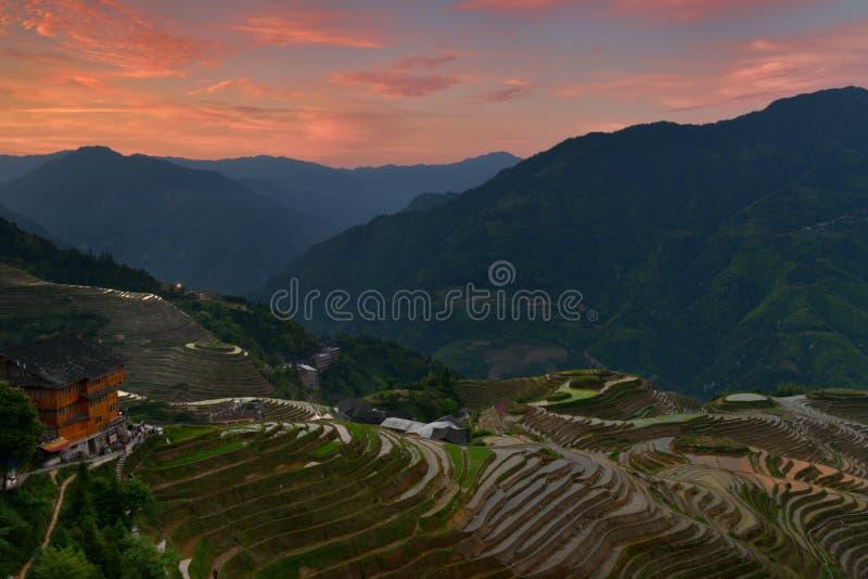 龙脊米大阳台日出,广西省,中国 免版税库存照片