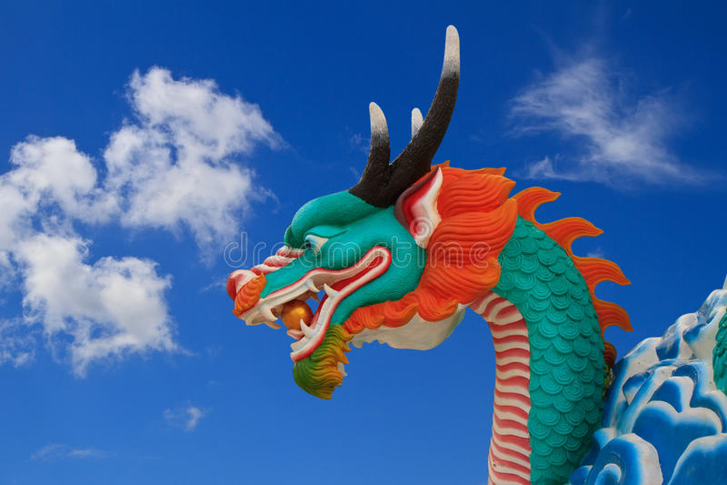 Download 龙雕象 库存图片. 图片 包括有 轰隆的, 雕塑, 拱道, 纪念碑, 汉语, 装饰, 宗教信仰, 佛教, 详细资料 - 22355309