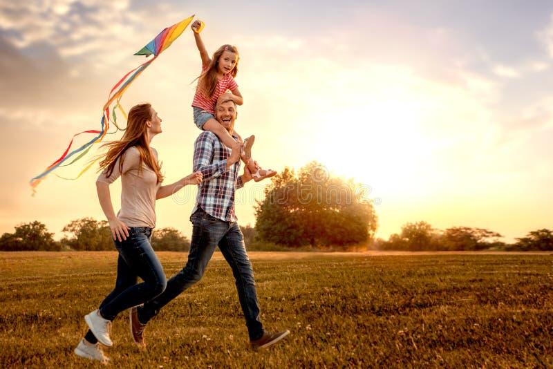 龙风筝家庭 库存图片