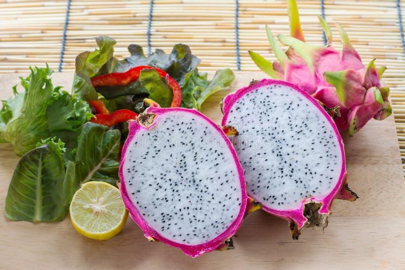 龙水果和蔬菜 免版税库存图片
