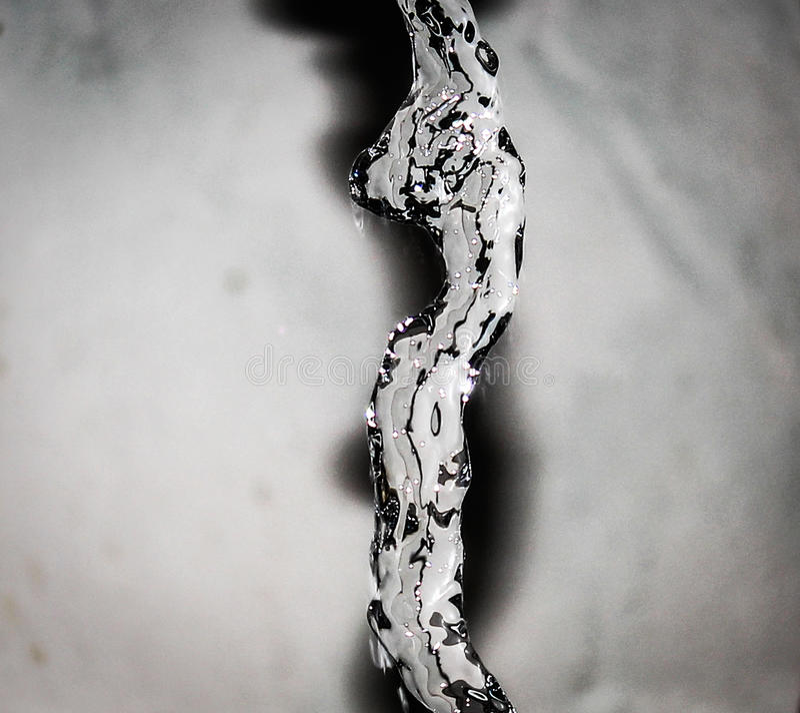 从龙头的水 图库摄影