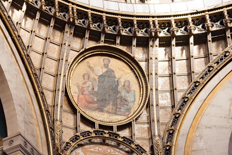 巴黎,法国,大约2016年4月 圣奥斯丁教会内部  图库摄影