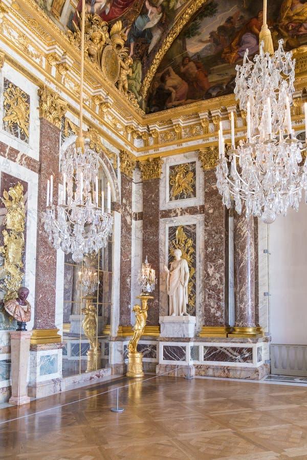 巴黎,法国, 2017年3月28日:镜子凡尔赛大别墅` s大厅  法国 免版税库存照片