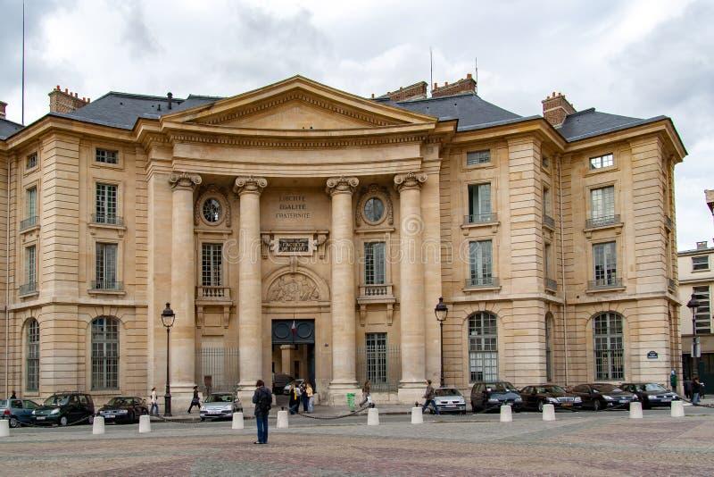 巴黎,法国, 2016年4月24日 Sorbonne的门面,著名巴黎大学 免版税库存照片