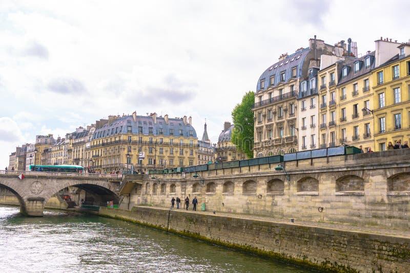 巴黎,法国- 2017年5月1日:古老architec美丽的景色  库存图片