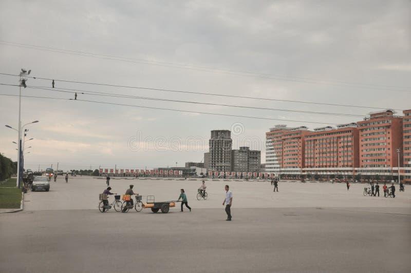 09/01/2018,渔郎郡,北朝鲜:在北朝鲜总是似乎一点overscaled的大城市广场 它通常是空,但是使用 免版税图库摄影