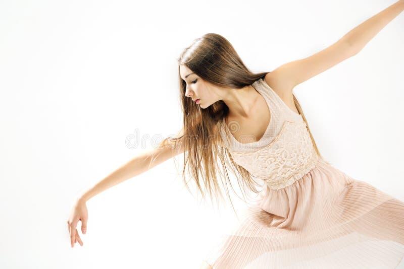 年轻,精美和有天才的跳芭蕾舞者 库存图片