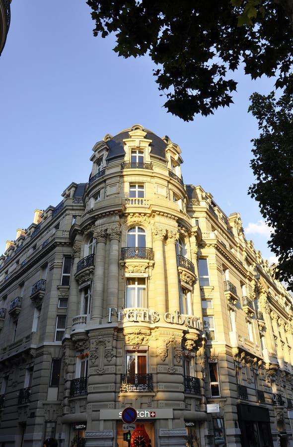 巴黎, 8月14,2013历史的大厦 免版税库存图片