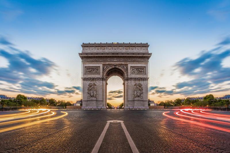 巴黎, Champs-Elysees在晚上 库存照片