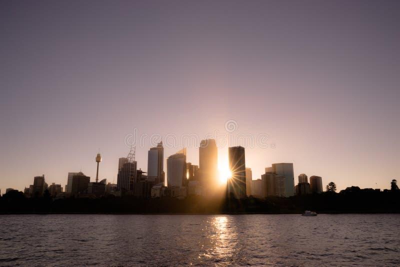 12-01-2018 :悉尼,澳大利亚 悉尼与si的港口都市风景 免版税库存图片