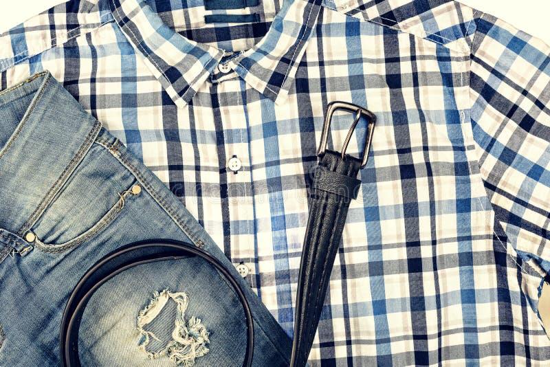 casual, ropa, ` s, correa, camisa, vaqueros de los hombres, desigual, rasgados, imagenes de archivo