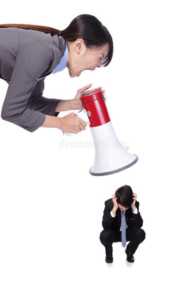 0 προϊστάμενος με megaphone που φωνάζει στο προσωπικό στοκ φωτογραφίες με δικαίωμα ελεύθερης χρήσης