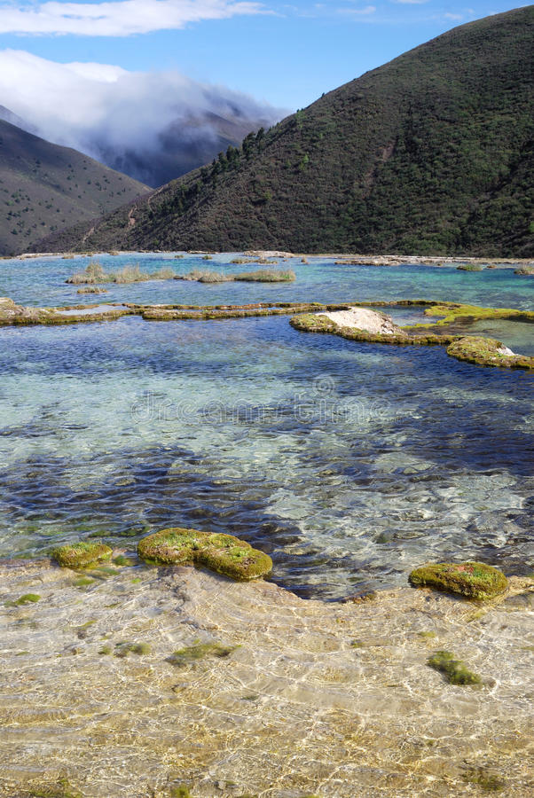 Download 0 Kangding λίμνη Sichuan ανύψωσης 4 Κίνας Στοκ Εικόνα - εικόνα από κίνα, φυτά: 22796619