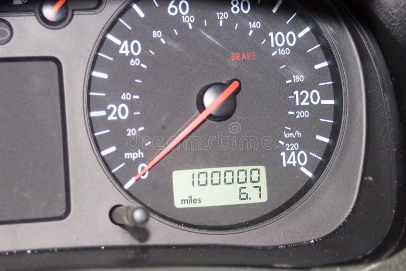 000 одометр 100 миль стоковое фото rf