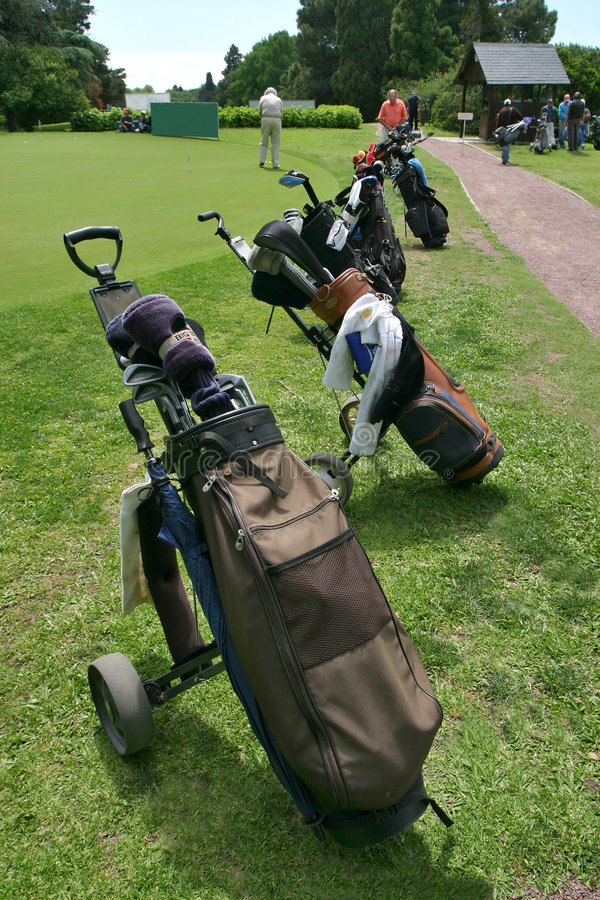 0008 bolsas de golf palos royaltyfria foton