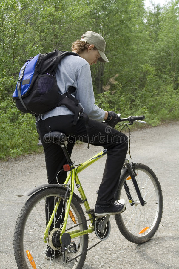 Download 0014 som cyklar fotografering för bildbyråer. Bild av sport - 978635