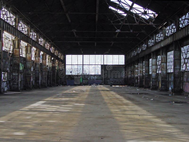 00915 εγκαταλειμμένη αποθήκη στοκ εικόνα