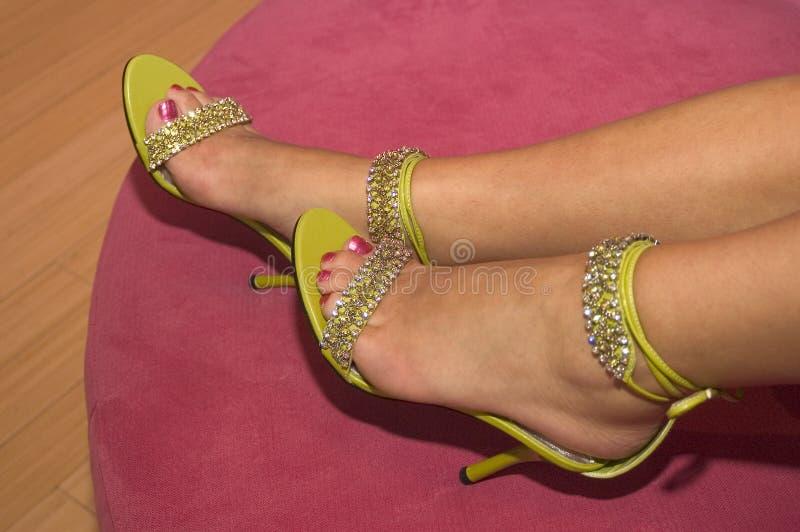Download 01 παπούτσια στοκ εικόνα. εικόνα από οθωμανός, στιλέτο, footrest - 93141