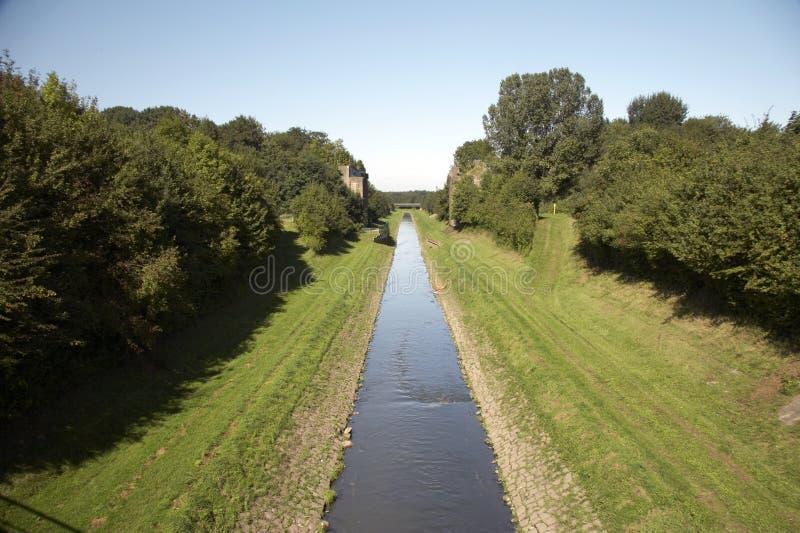 02条运河emscher开放废水 免版税库存图片