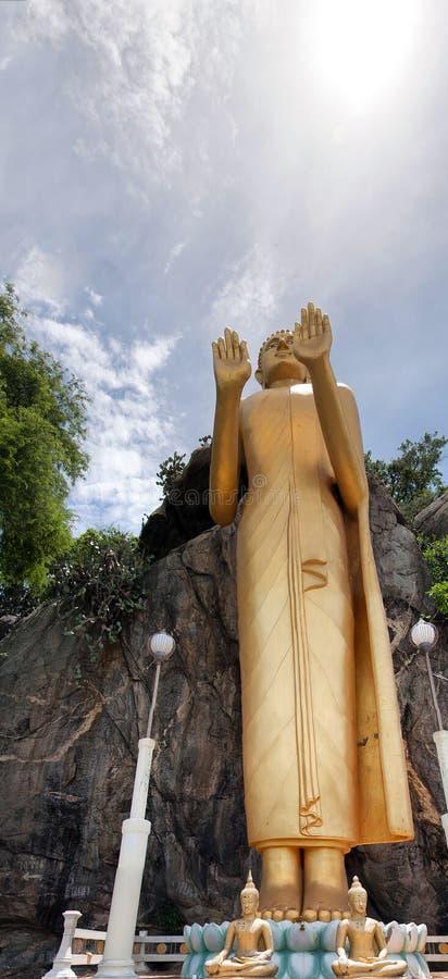 02 buddha standing arkivfoto