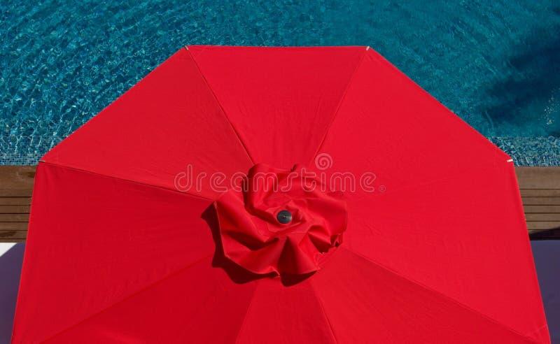 074 Één Rode Paraplu royalty-vrije stock afbeeldingen