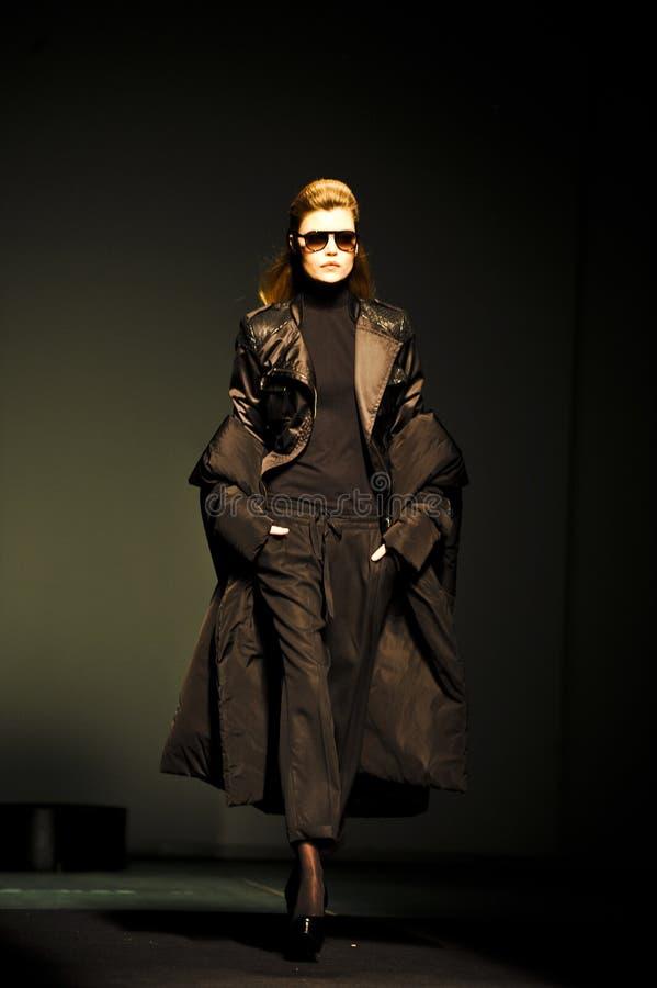 Download 080 Barcelona moda zdjęcie editorial. Obraz złożonej z kolekcja - 28970401