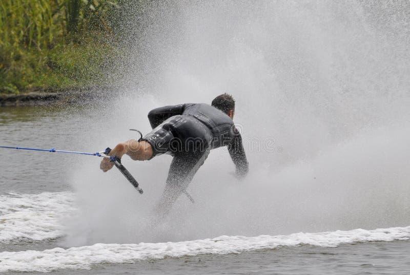 09赤足滑雪者水 库存图片