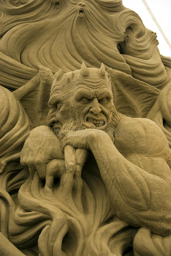 Download 1ò Festival Internacional De Esculturas Da Areia Foto de Stock Editorial - Imagem de inferno, devilish: 10054768