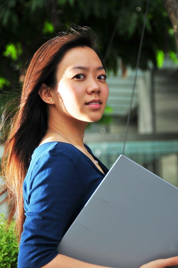 1个亚洲夫人办公室 免版税库存照片