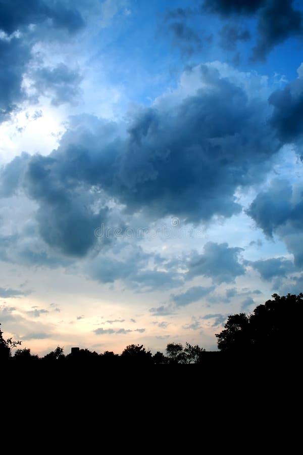 1使变暗的天空 库存照片