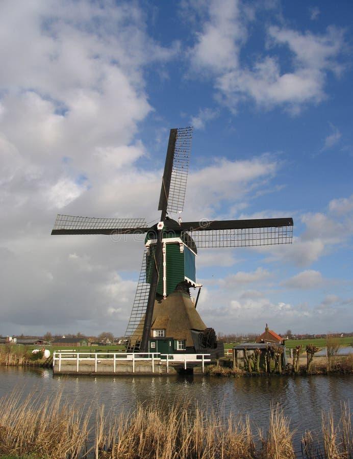 1台荷兰语风车 免版税库存图片