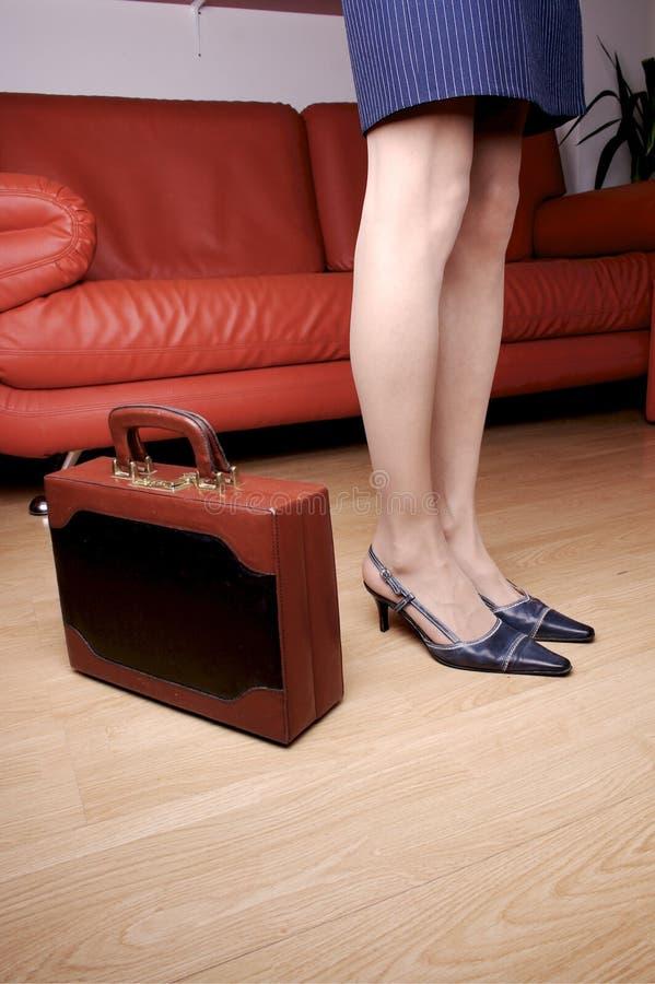 1名公文包行程妇女 免版税图库摄影