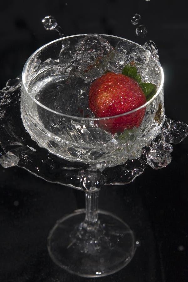 1块玻璃没有草莓 库存照片