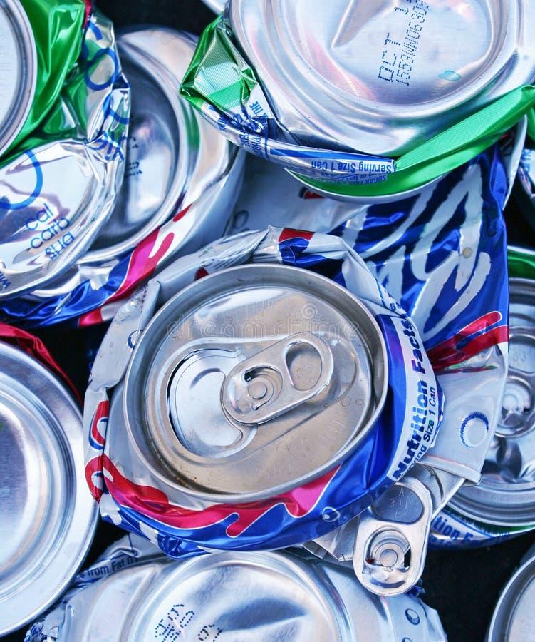1罐头被击碎的堆 免版税库存照片