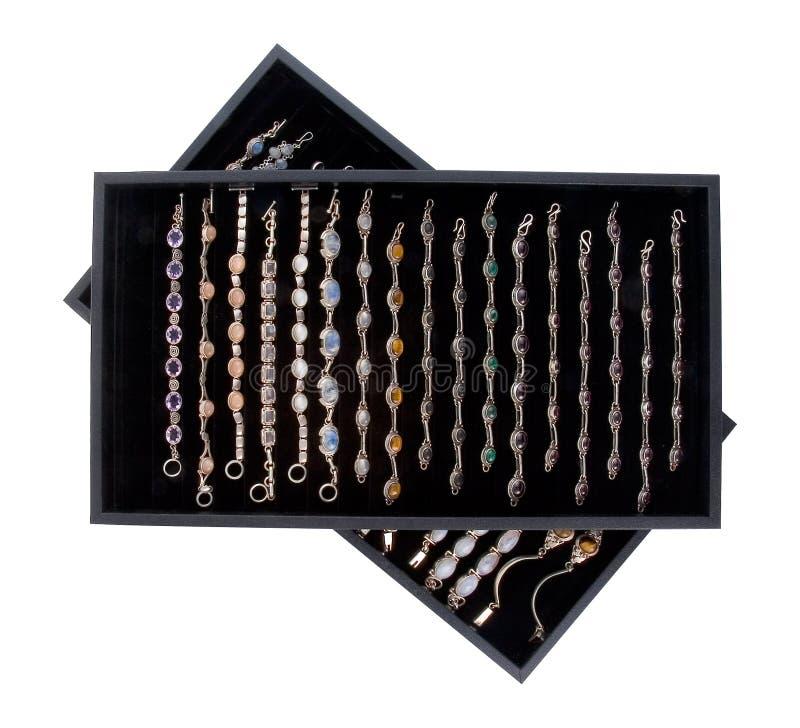 Download 1 δίσκος κοσμήματος στοκ εικόνα. εικόνα από κοσμήματα, περιδέραια - 390703