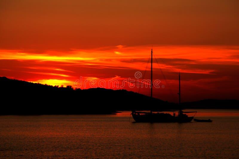 Download 1 ηλιοβασίλεμα παραλιών στοκ εικόνα. εικόνα από bazaars - 525303