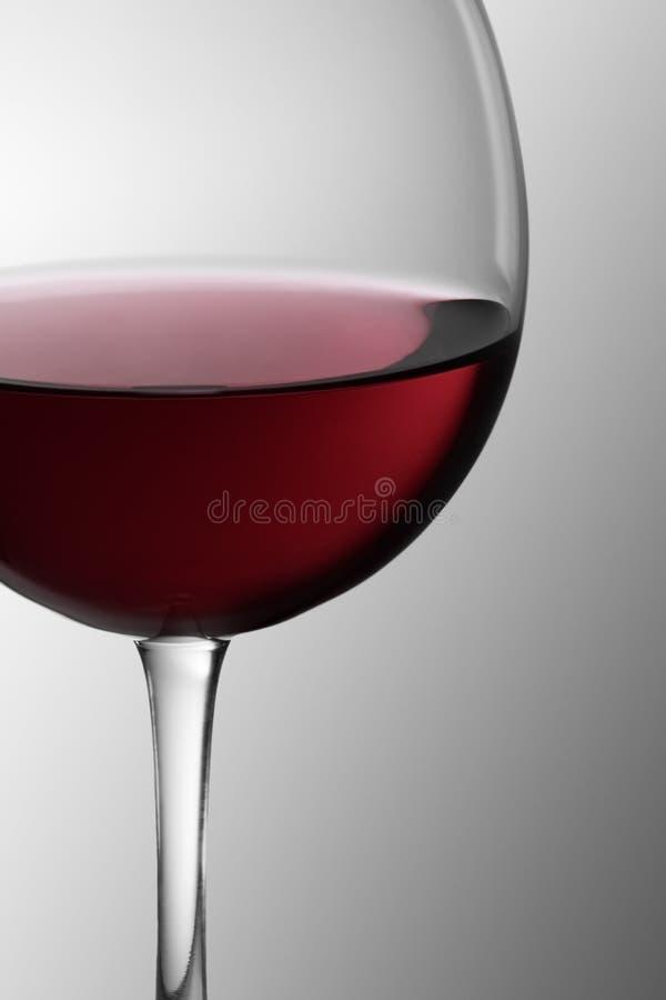 1 κόκκινο κρασί γυαλιού στοκ φωτογραφία με δικαίωμα ελεύθερης χρήσης