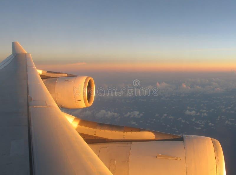 Download 1 φτερό αεροπλάνων στοκ εικόνα. εικόνα από ταξίδι, ηλιοβασίλεμα - 51721