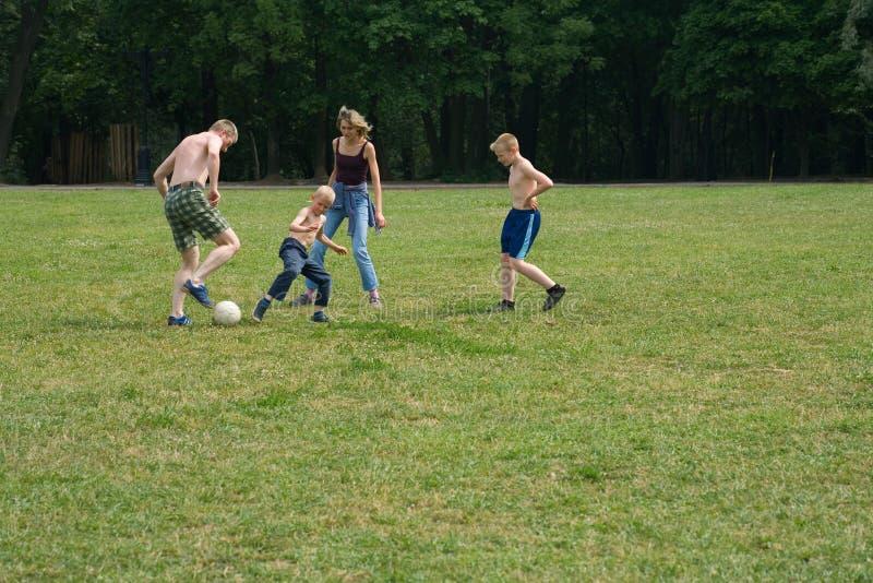 1 игра семьи стоковые фотографии rf