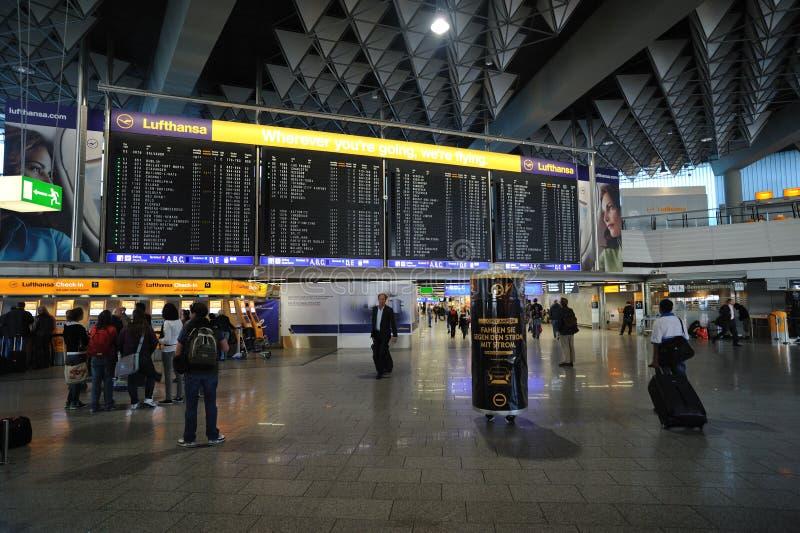 1 стержень frankfurt авиапорта стоковое изображение rf