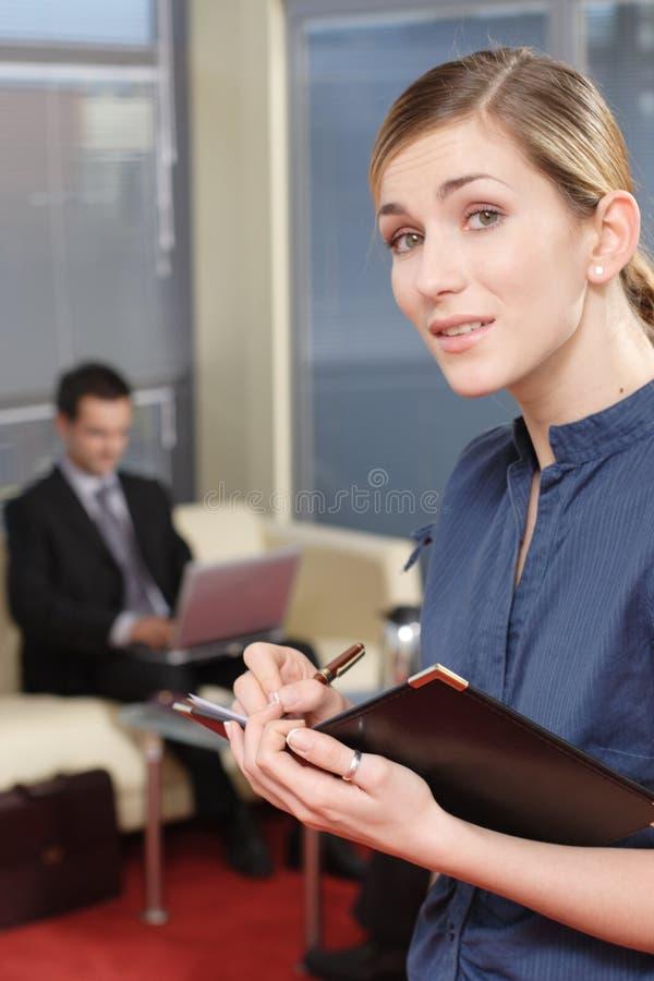1 kvinna för del för kontor för affärsman royaltyfri bild